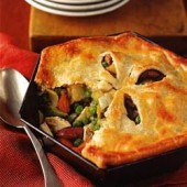 Chicken,pie,with,chunky,vegetables