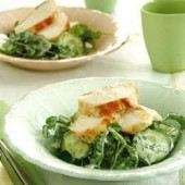 Chicken,salad,with,cucumber,and,watercress