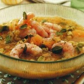 Chilled,melon,soup,with,prawn,and,avocado