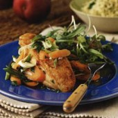 Pan-fried,chicken,with,carrots,in,orange,sauce