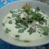 Tom,ka,gai,(Coconut,and,galangal,soup,with,chicken)