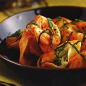 Meat,tortellini,with,capsicum,sauce