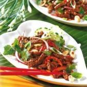 Thai,Beef,Salad,with,Roasted,Peanuts